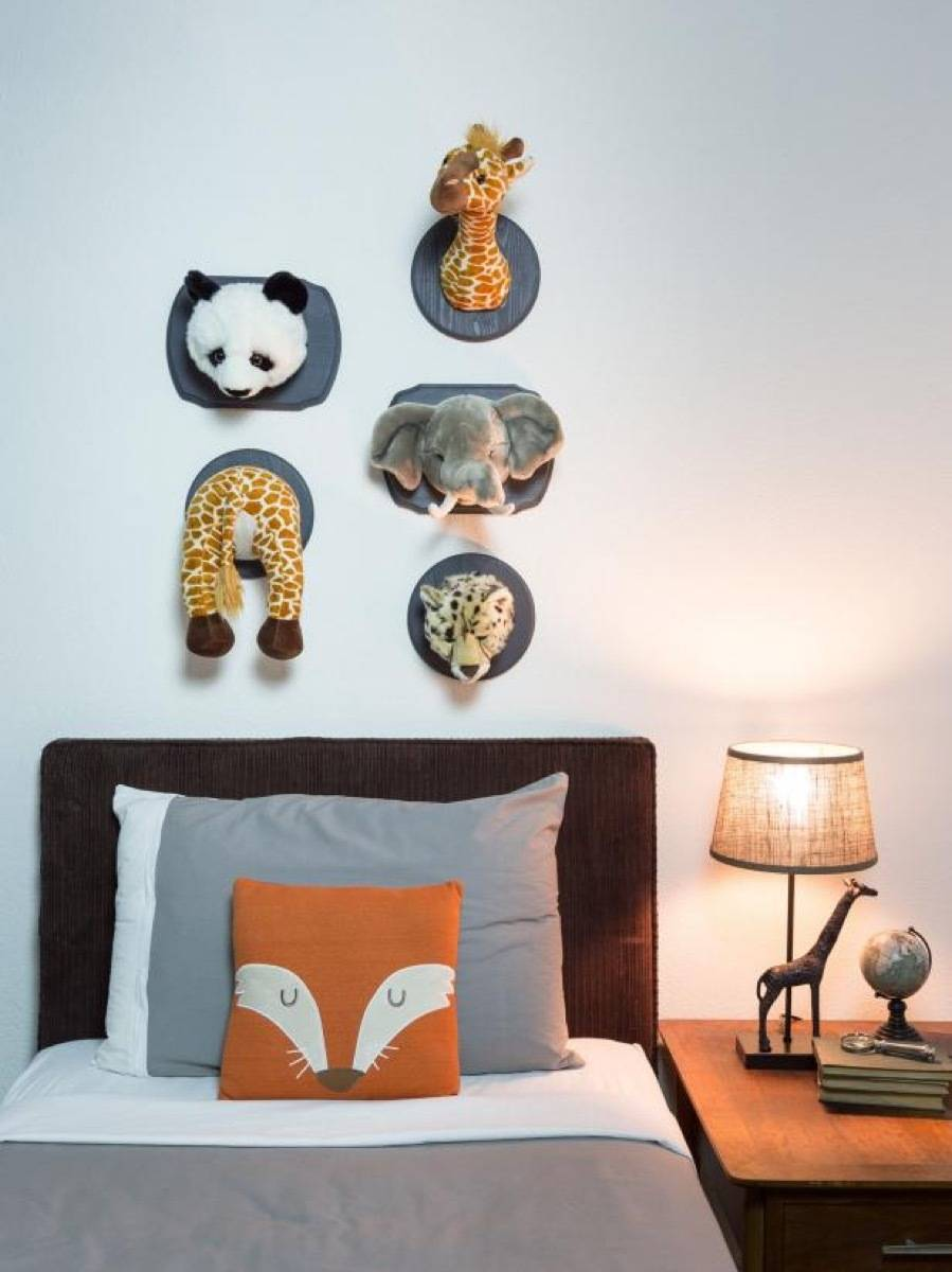 Wall art idea from DIY Network | 75 DIY Kids Decor Ideas