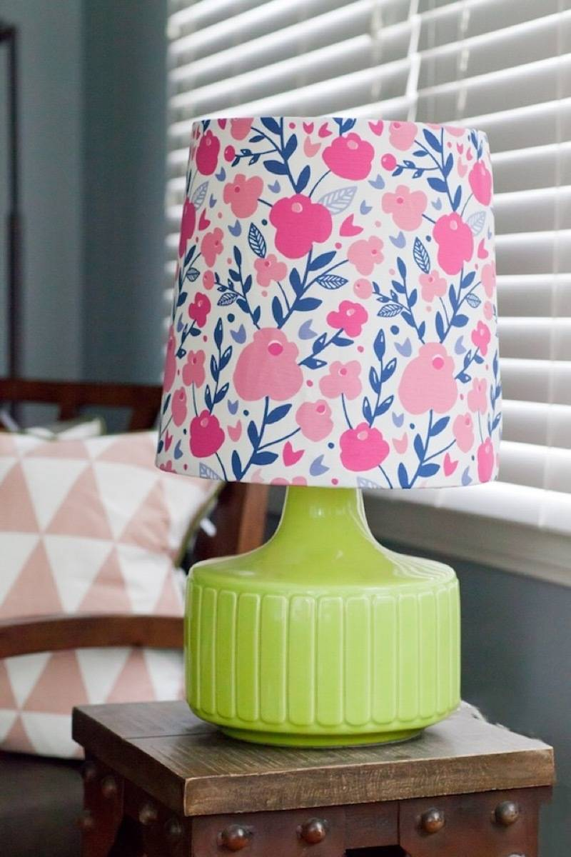 99 ways to use fabric to decorate your home   Fabric-covered lampshade