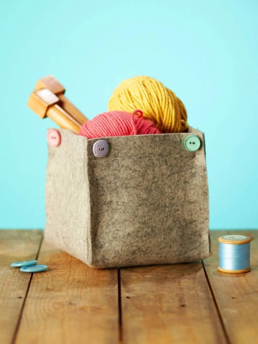 99 ways to use fabric to decorate your home   DIY felt organizing cubes