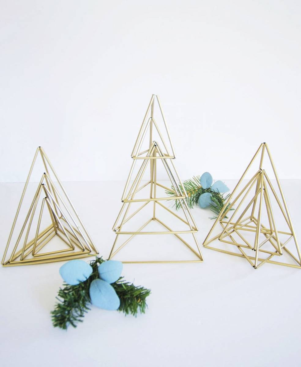 81 Stylish Christmas Decor Ideas You Can DIY | Himmeli-inspired trees