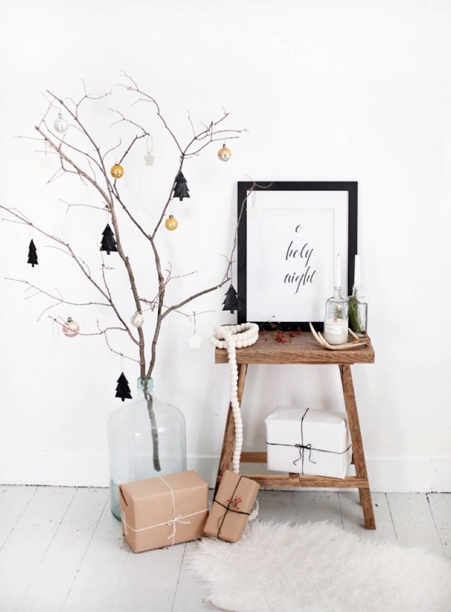 81 Stylish Christmas Decor Ideas You Can DIY | Branch tree