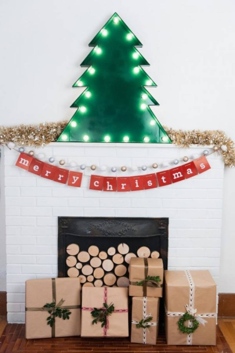 81 Stylish Christmas Decor Ideas You Can DIY | Marquee tree