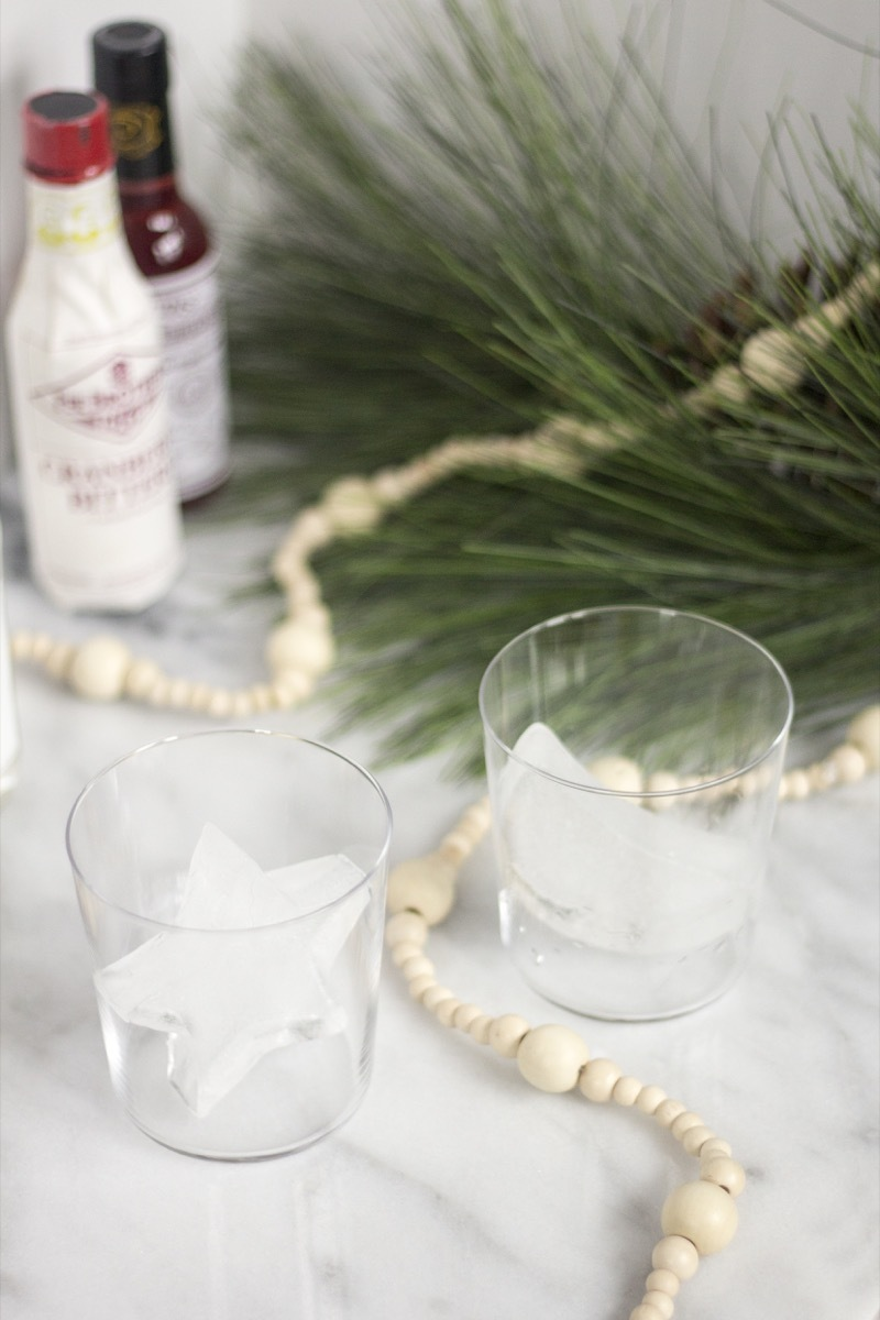 Make These: Holiday cocktail ice cubes!