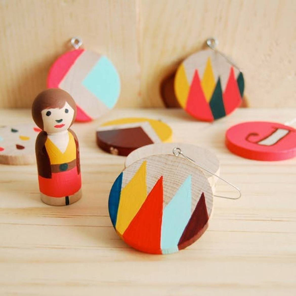 Quick and cute wood painted ornaments