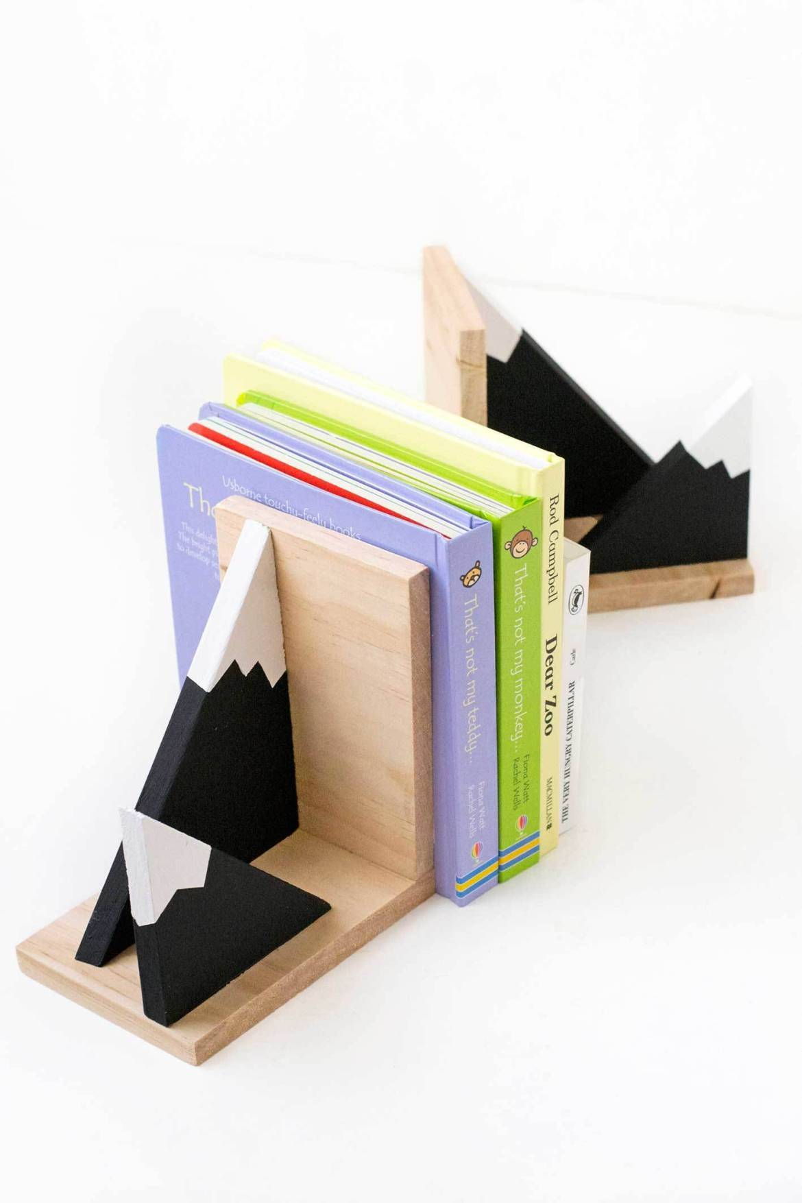 Make it: Sweet mountain bookends for your little one's nursery