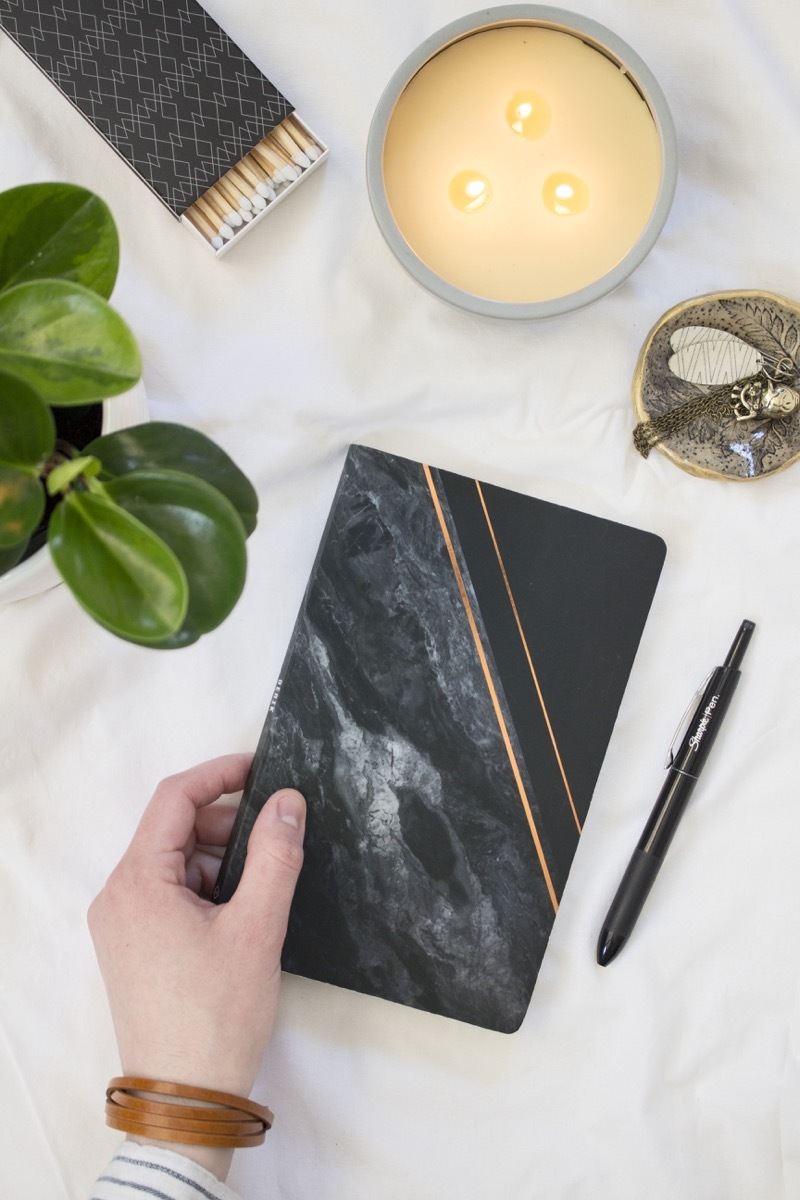 Do you wish you could keep a journal? Try this technique called the Gratitude Journal