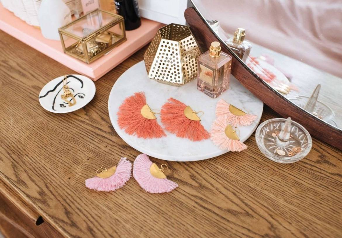 DIY Mother's Day Gift Ideas: Fringed earrings