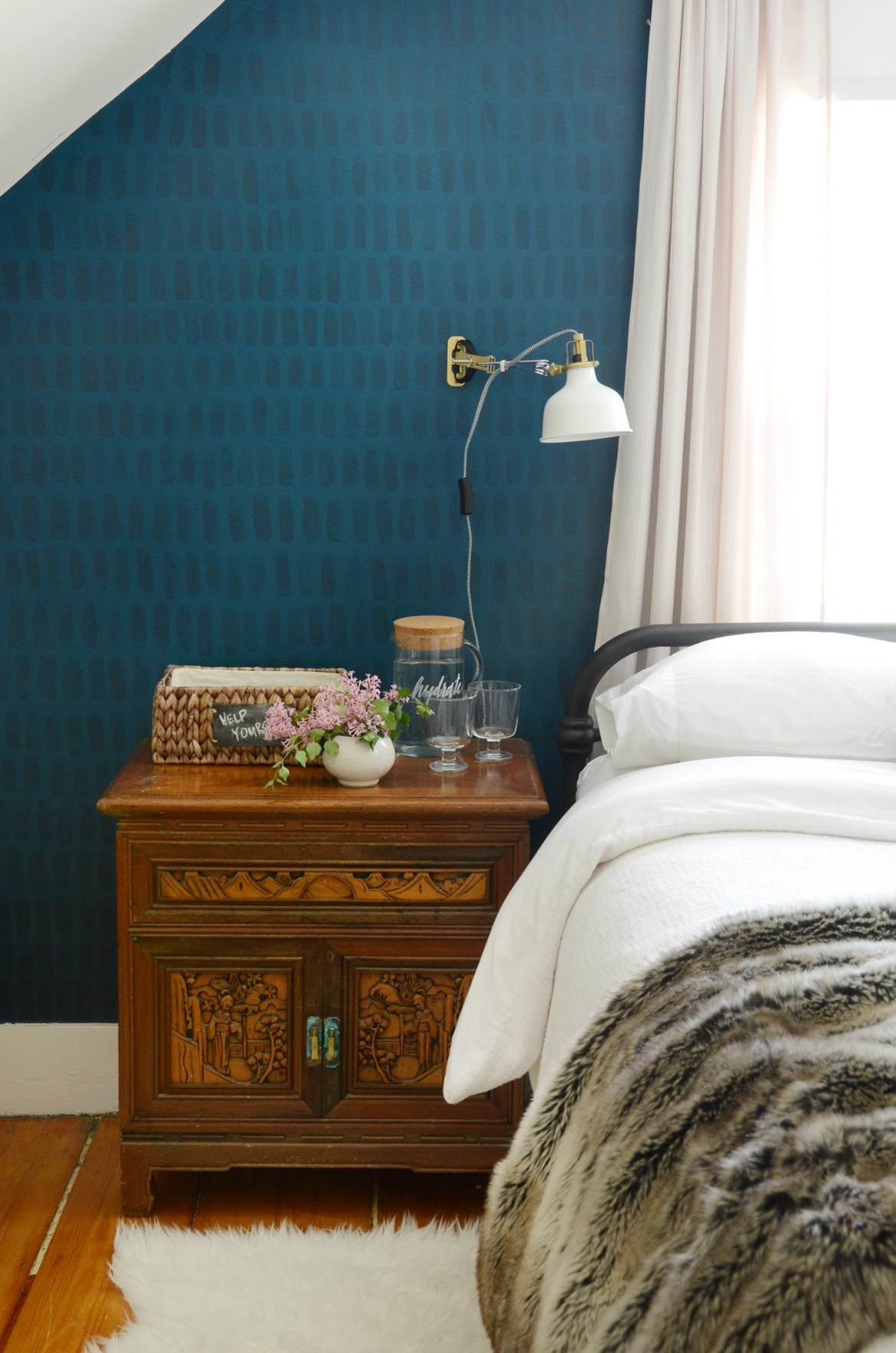 Easy DIY Hand Painted Accent Wall