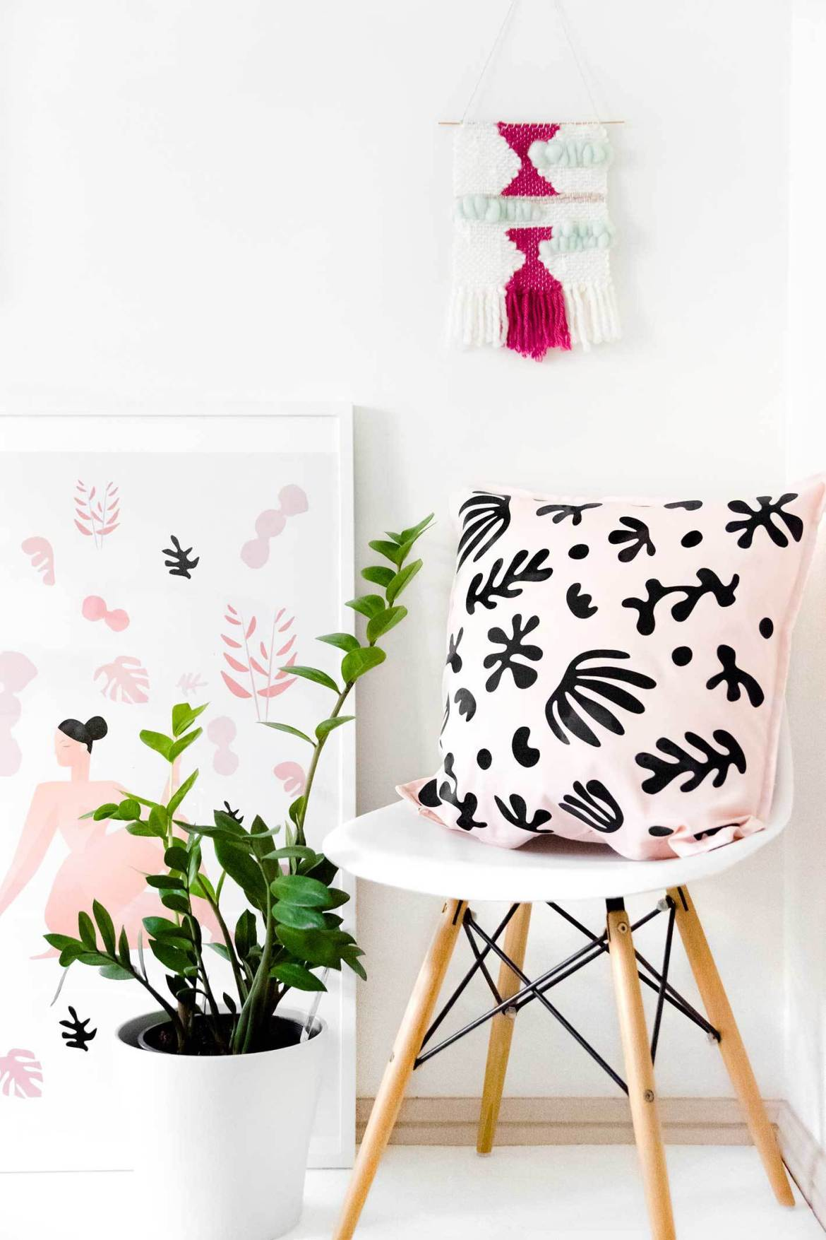 Dress up a plain pillow in an instant with heat-set vinyl (plus free printable!)