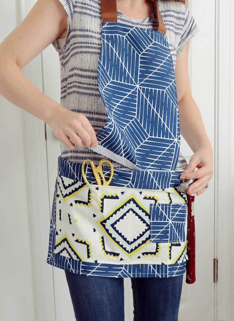 Make This! Crafter's Tool Belt With Detachable Apron   Curbly #diy #sewing