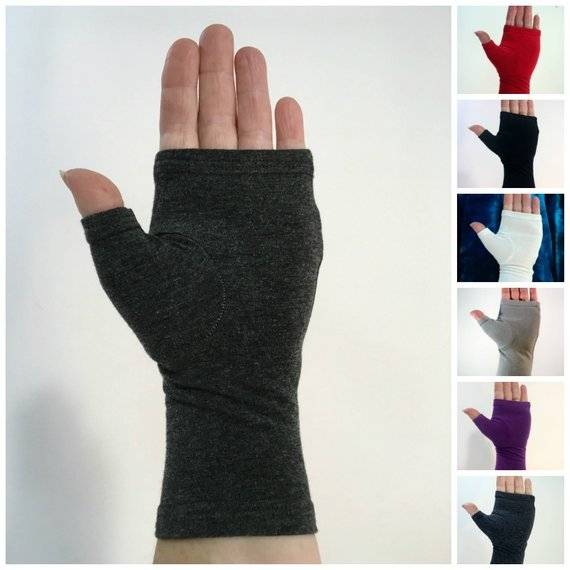 DIY fingerless gloves sewing