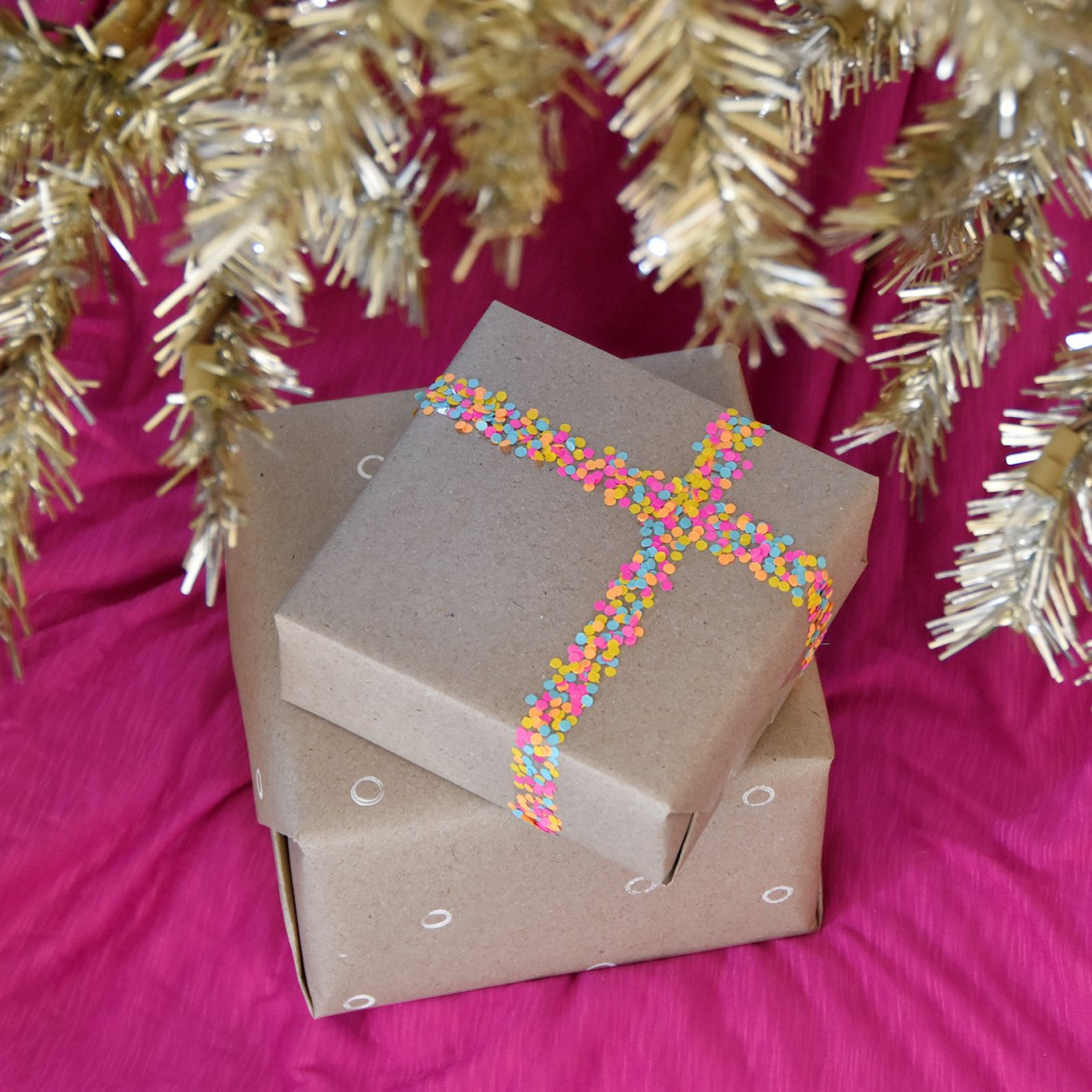 5 Ways To Wrap Gifts Using Office Supplies | For Curbly by Faith Towers Provencher #creative #gift #wrapping #holiday