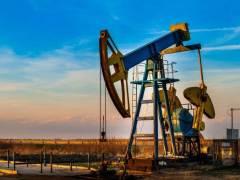 Oil and Stocks Mixed on Stimulus Talks Failure