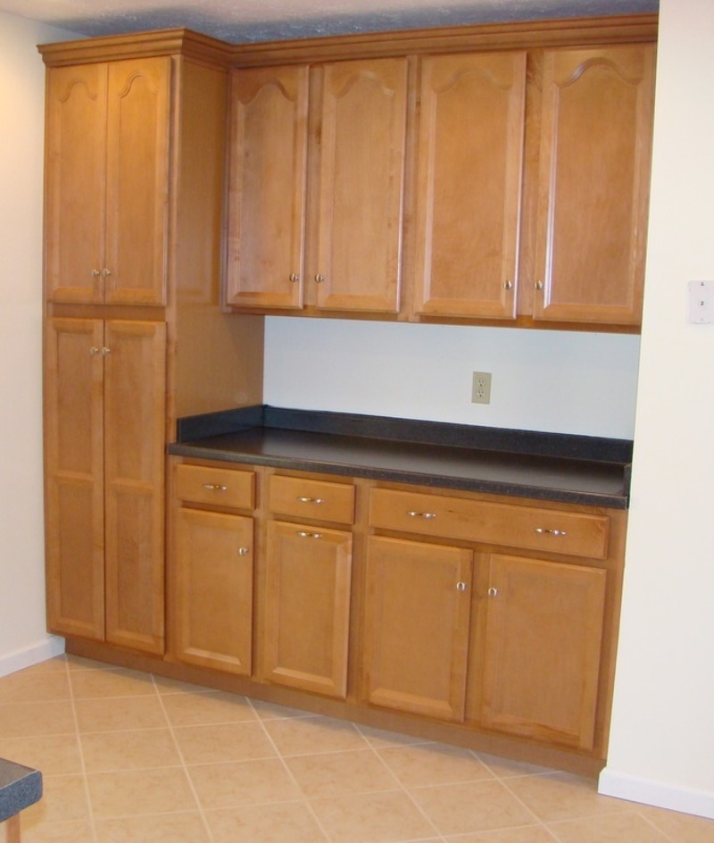 Amazing Kitchen Pantry Cabinet For Your Kitchen / design