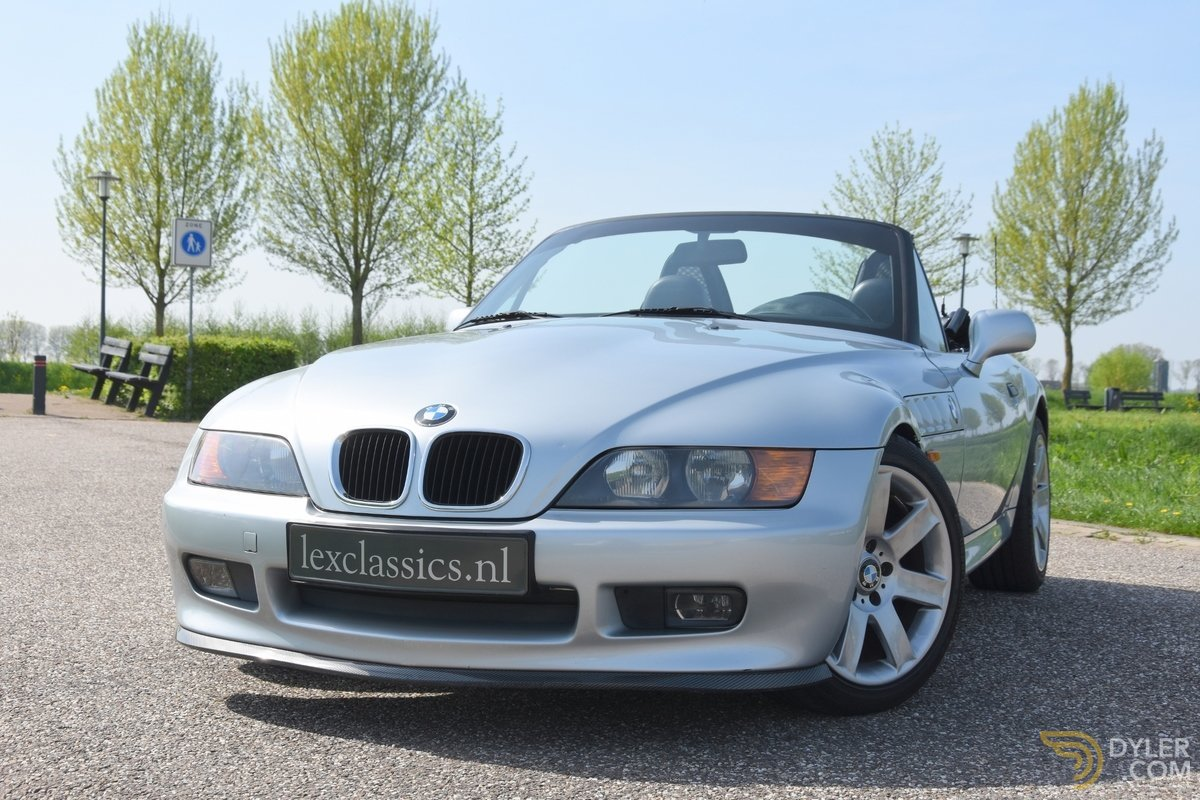 hight resolution of bmw z3 roadster 1 8 cabriolet roadster 1997 silver car for sale