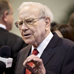 Executive Chairman Vs Ceo Flip Out Chair Bed Warren Buffett Dishes On Clinton Trump Coca Cola And