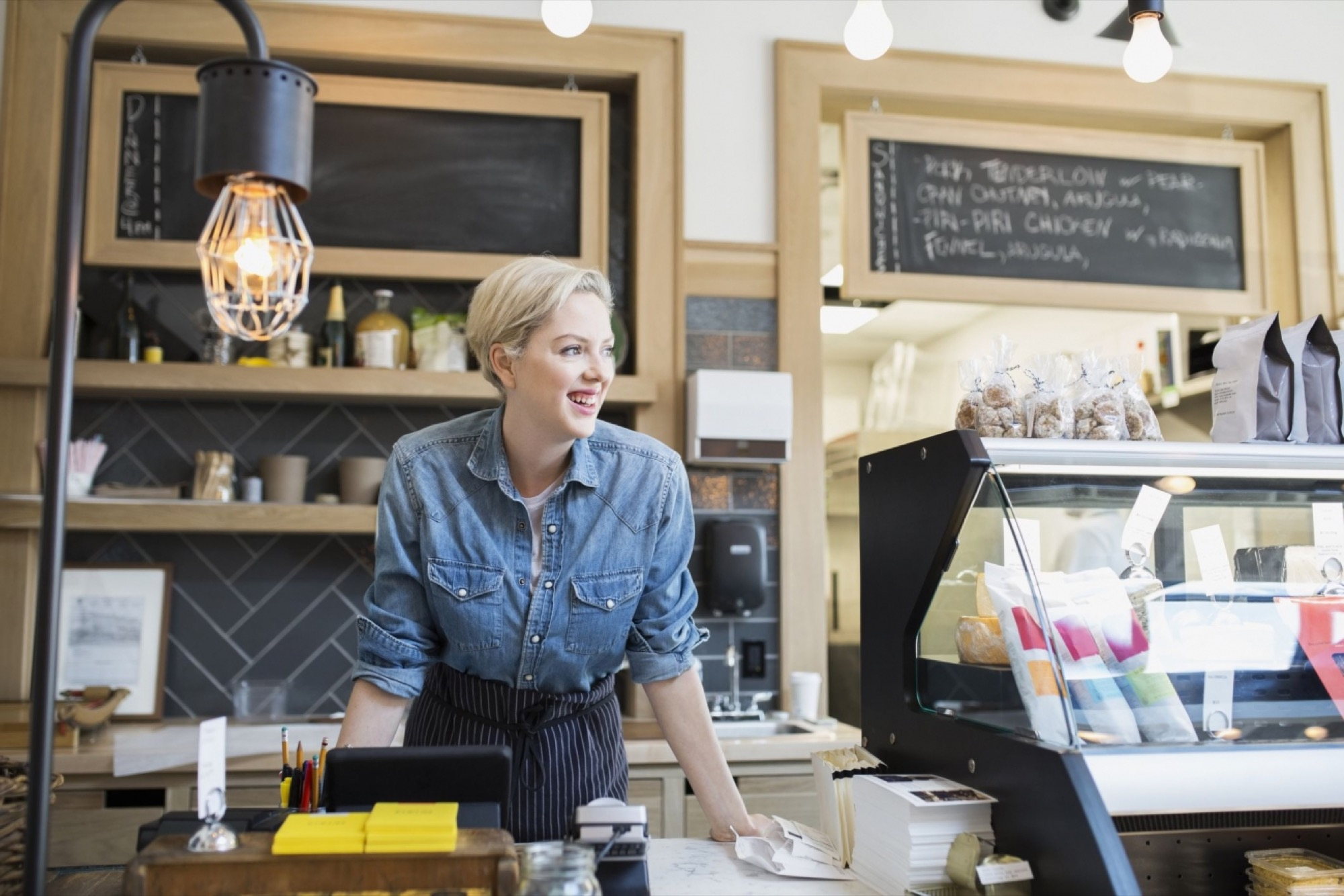How a Brick-and-Mortar Store Can Be the Foundation of Ecommerce Success