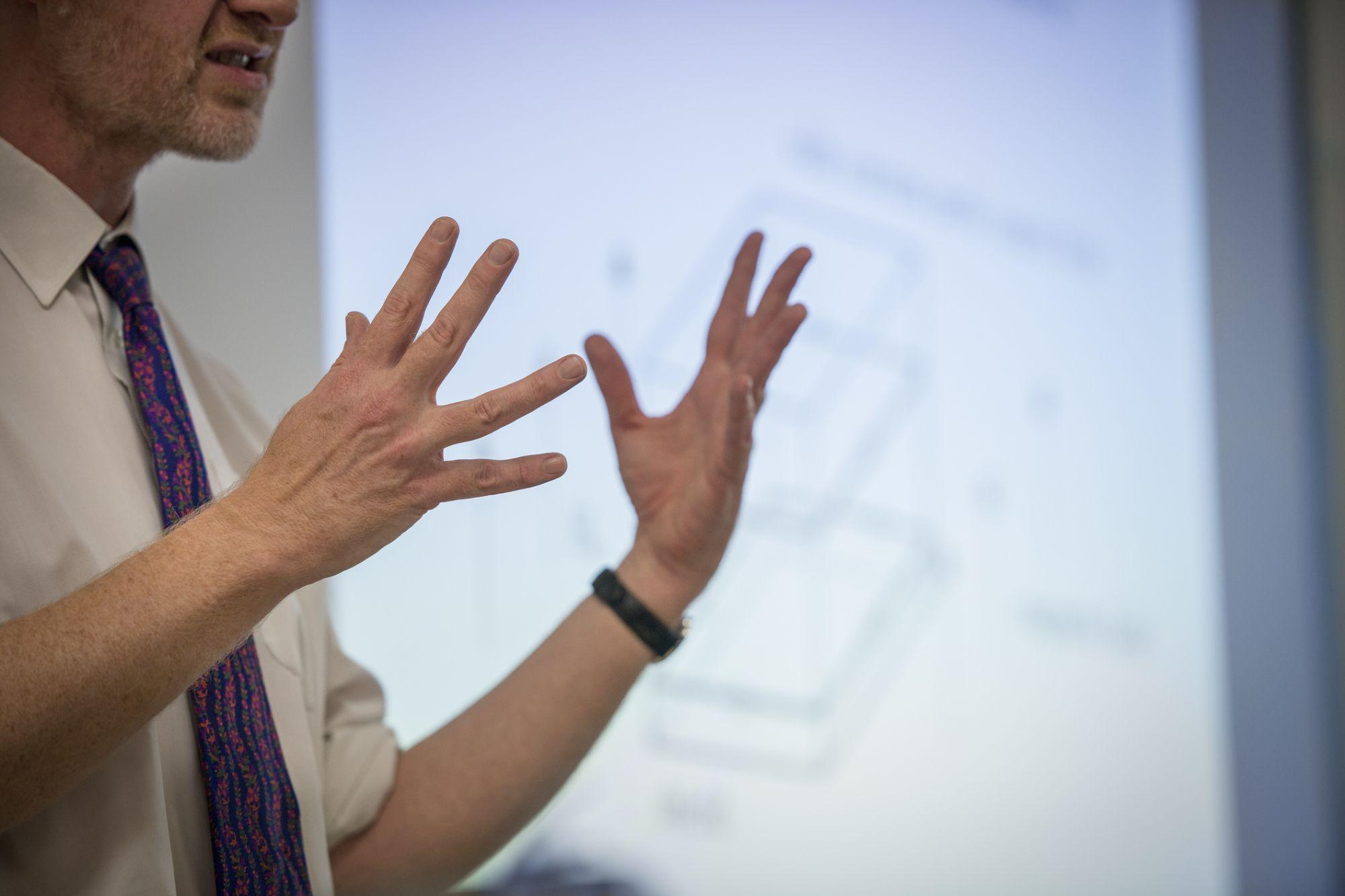 7 hand gestures to