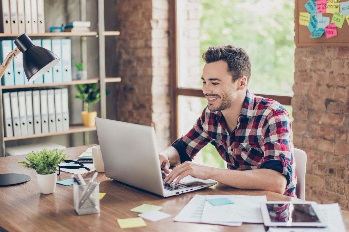 An Expert Reveals Smart Rate-Setting Tips for Your Freelance Writing Business