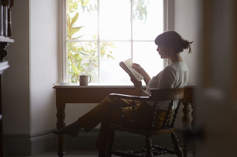 How Reading Books Helps Your Brain Recharge