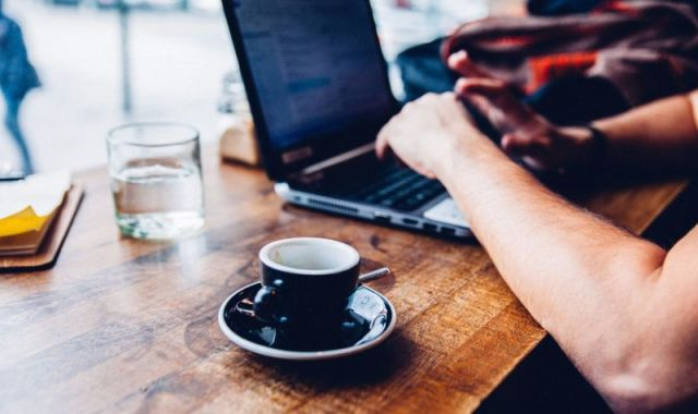 Small companies hire more remote employees.