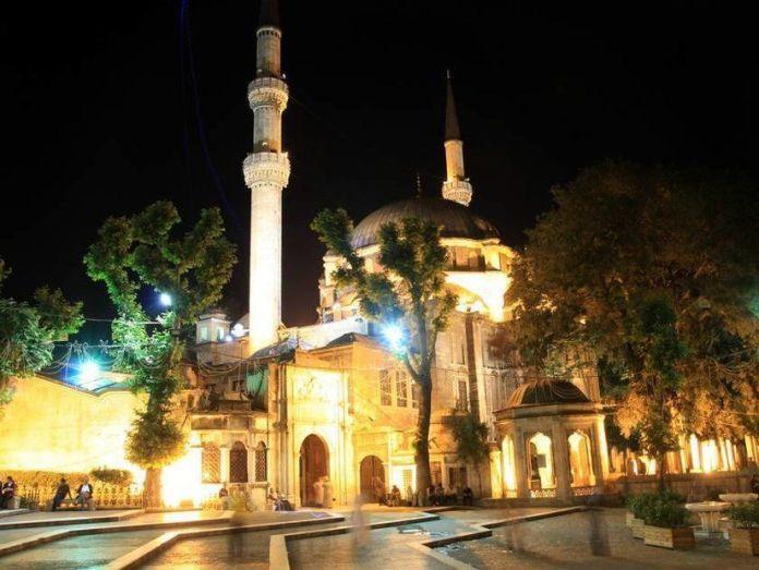 7-Eyüp Sultan Camii