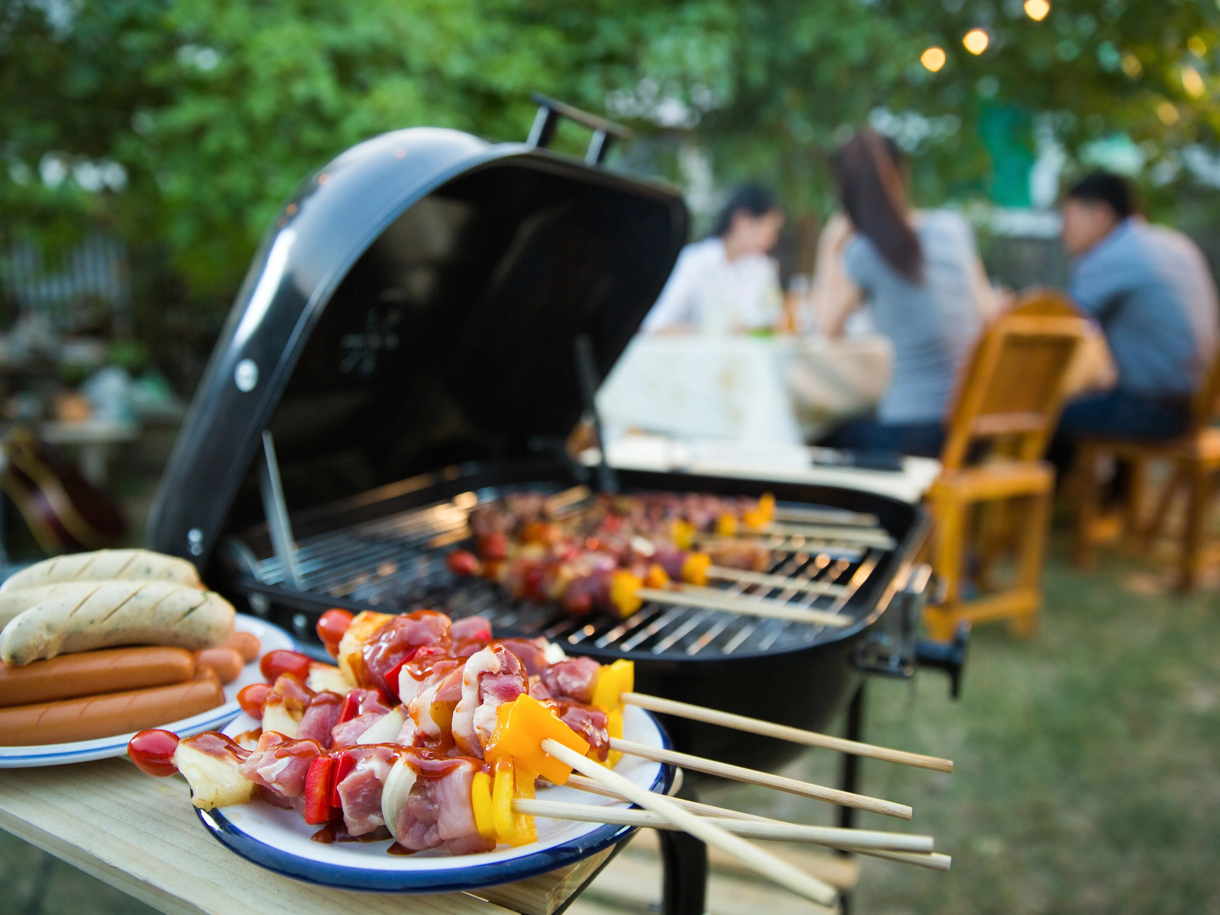 should you close your grill lid
