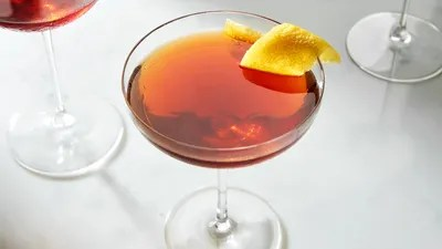 37 Easy Cocktails To Make As Soon As It S 5 O Clock Somewhere Epicurious