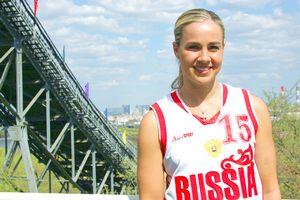 Becky Hammon com a camisa da seleção russa (Nicole Noren/ESPN)