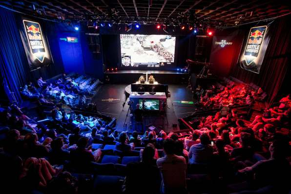 Take A Look Inside The Intense World Of Pro Gaming At R