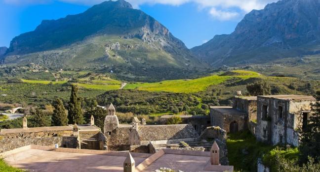 https://i0.wp.com/assets.fodors.com/destinations/707812/kato-moni-preveli-monastery-crete-greece_main.jpg