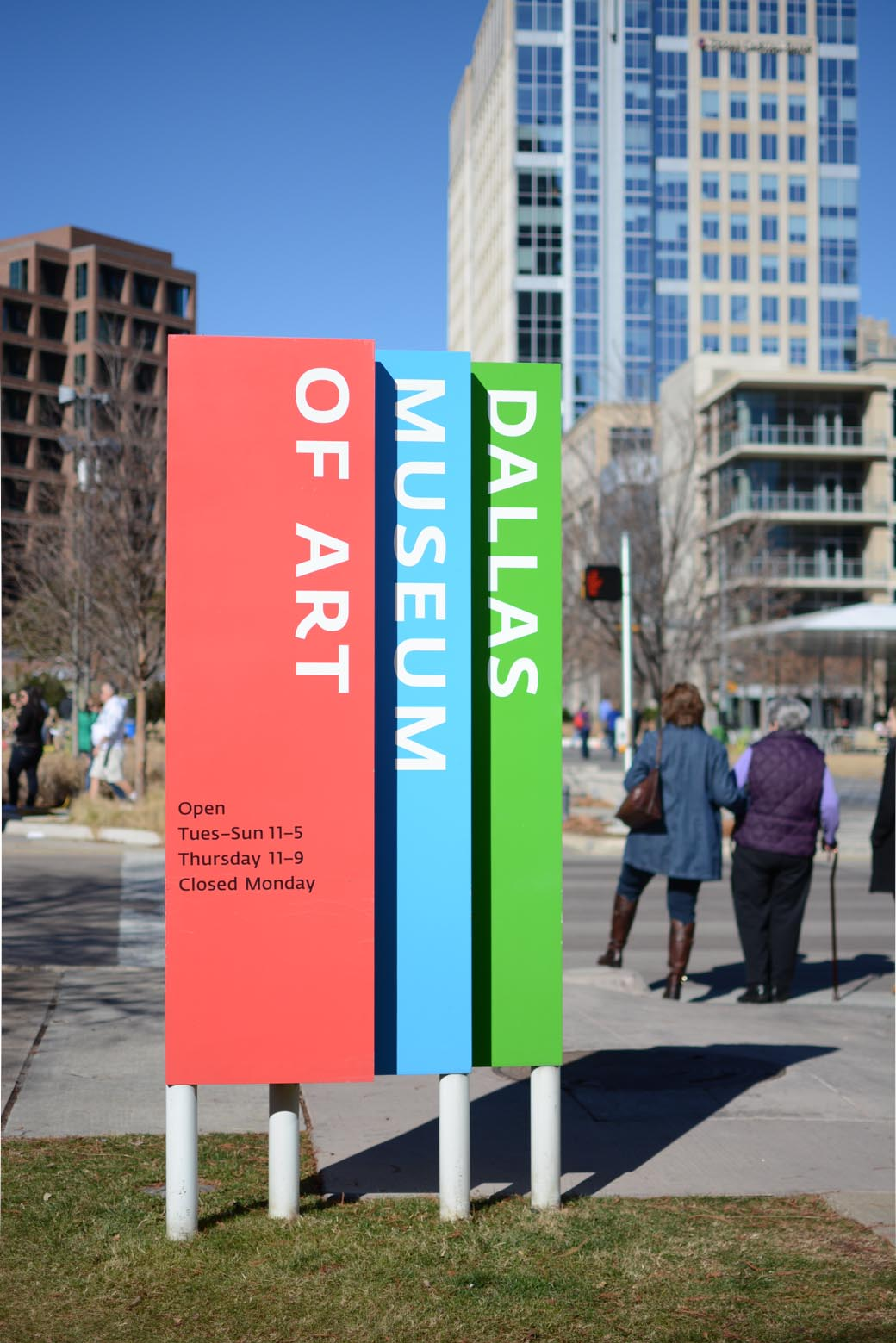 Dallas Museum Of Art Signage - Fonts In