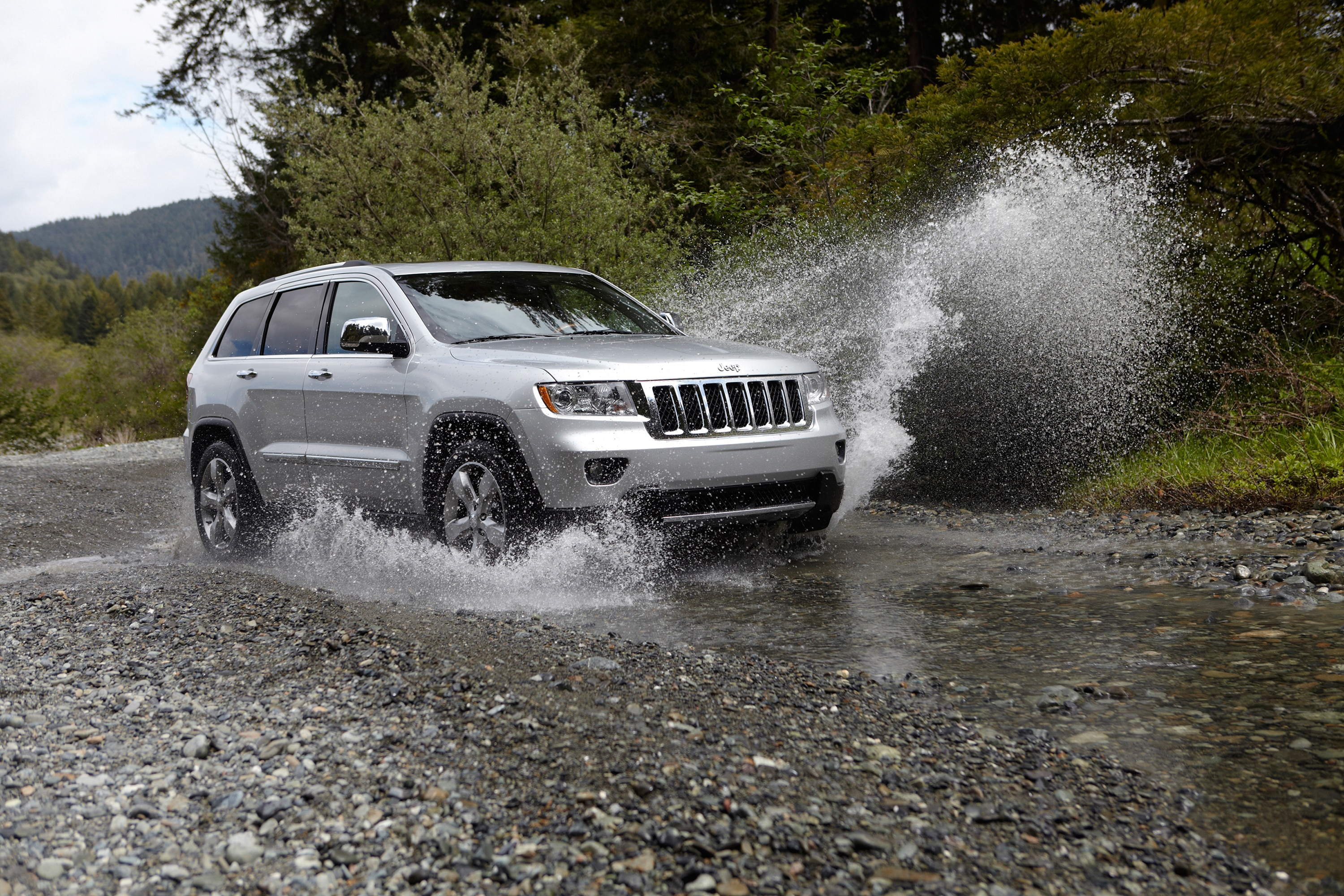 small resolution of  2012 jeep grand cherokee front water crossing 4x4 offroad jeep wrangler tj rear suspension diagram