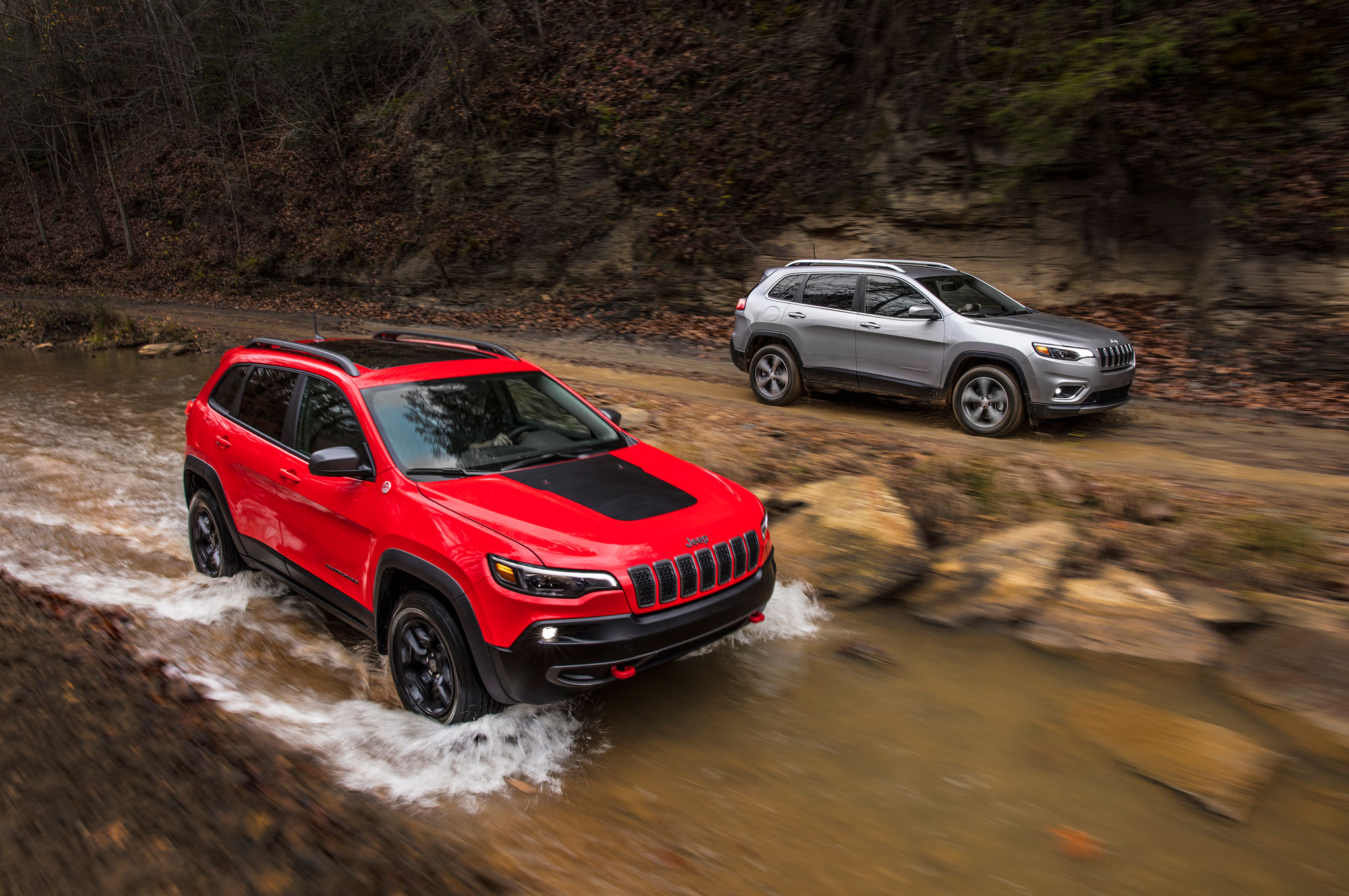 small resolution of first look 2019 jeep cherokee