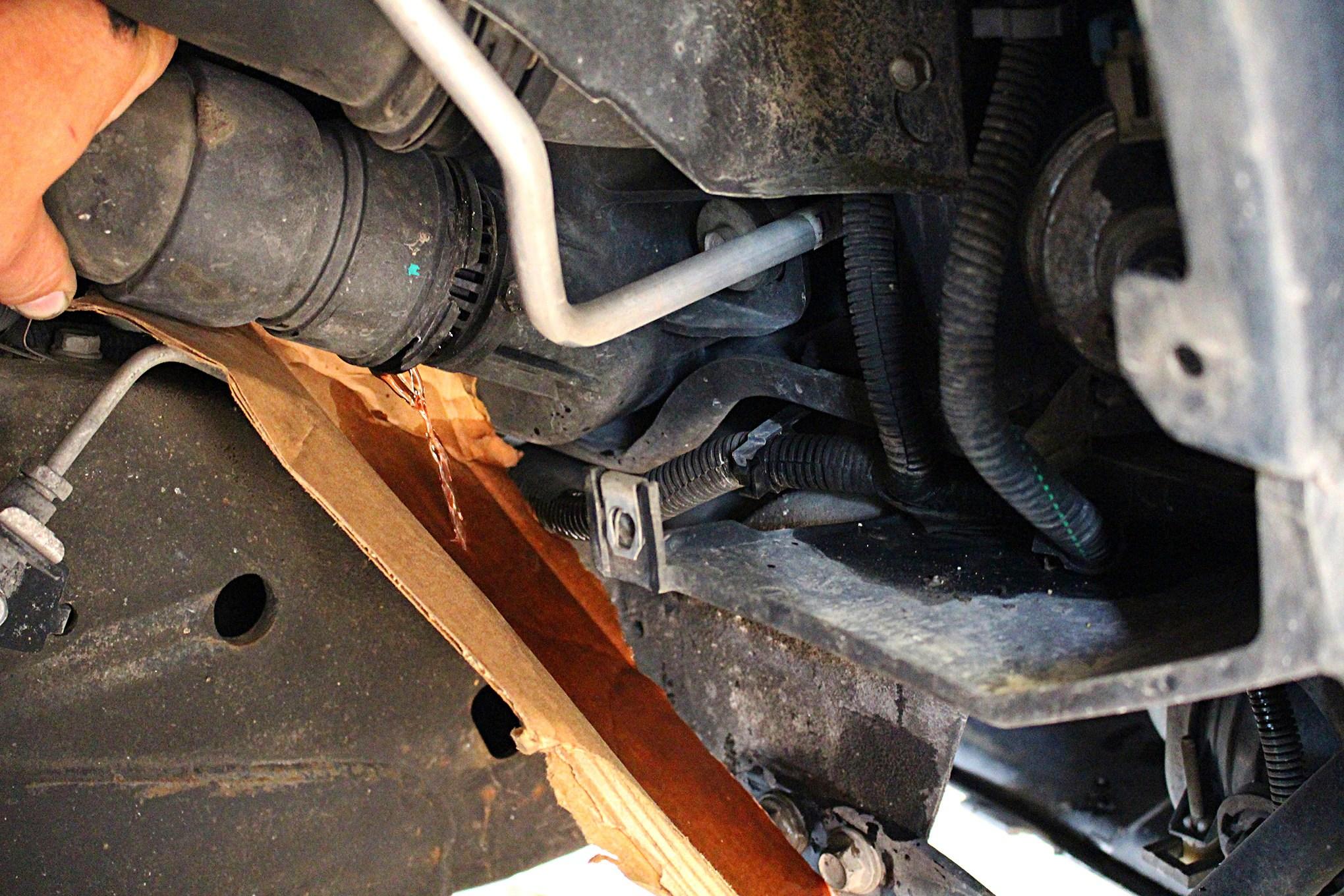 03 half dayin it duramax lbz lower radiator hose  [ 2040 x 1360 Pixel ]
