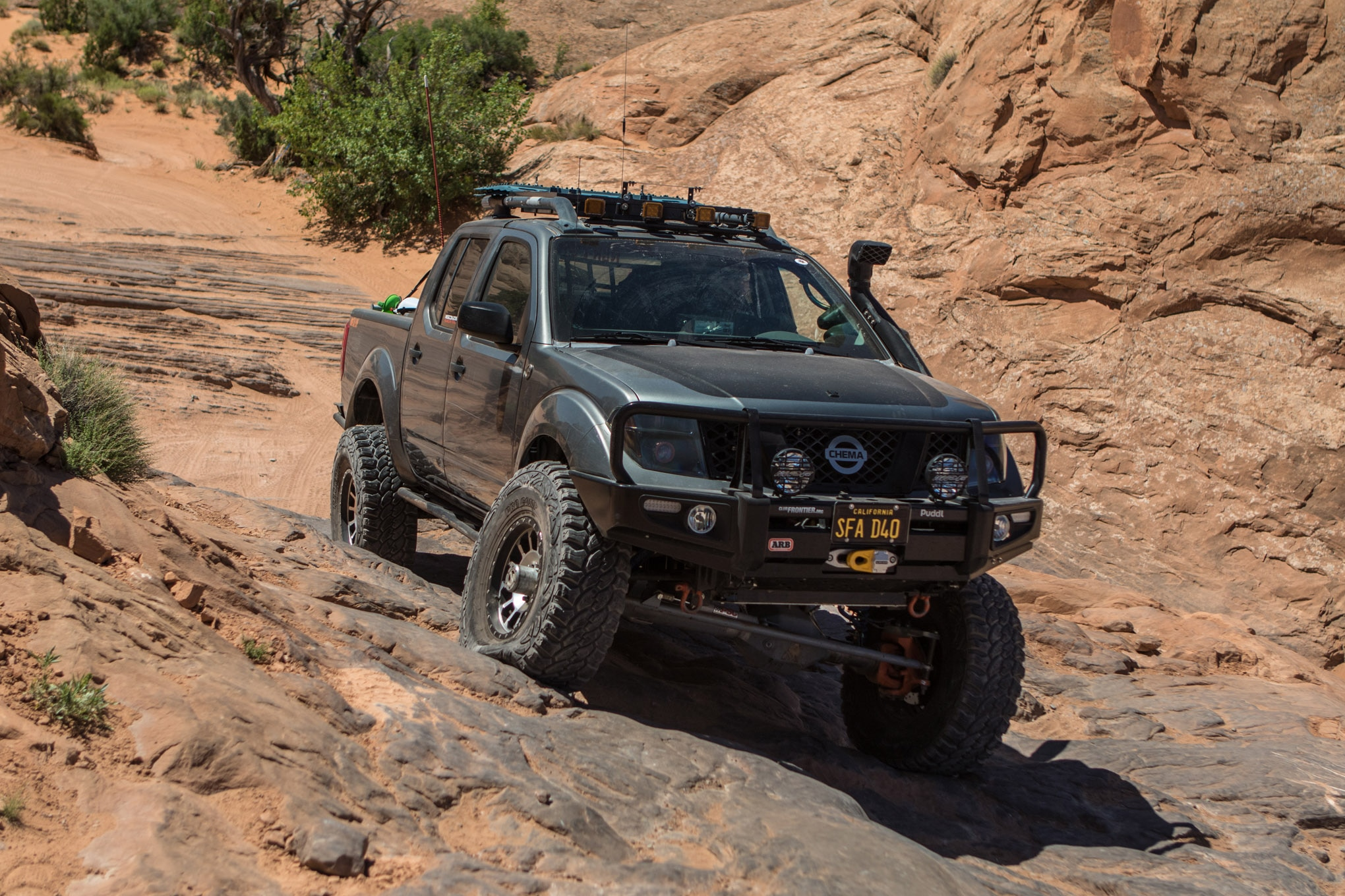 hight resolution of this 2005 nissan frontier doesn t just hang with the toyotas it smokes them
