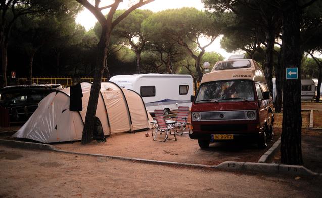 4 pers Volkswagen camper huren in Den Haag pd  Goboony