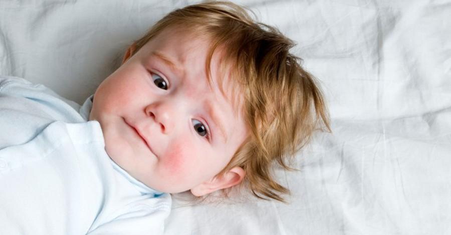 كيف يمكنني معرفة أن طفلي يعاني من الإمساك