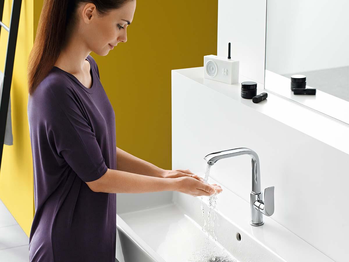 modern bathroom taps metris in timeless