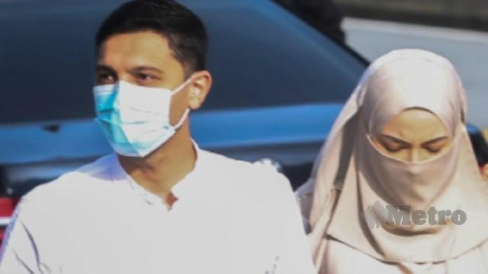 Neelofa dan suami, PU Riz ketika hadir ke mahkamah, hari ini. FOTO AZRUL EDHAM MOHD AMINUDDIN