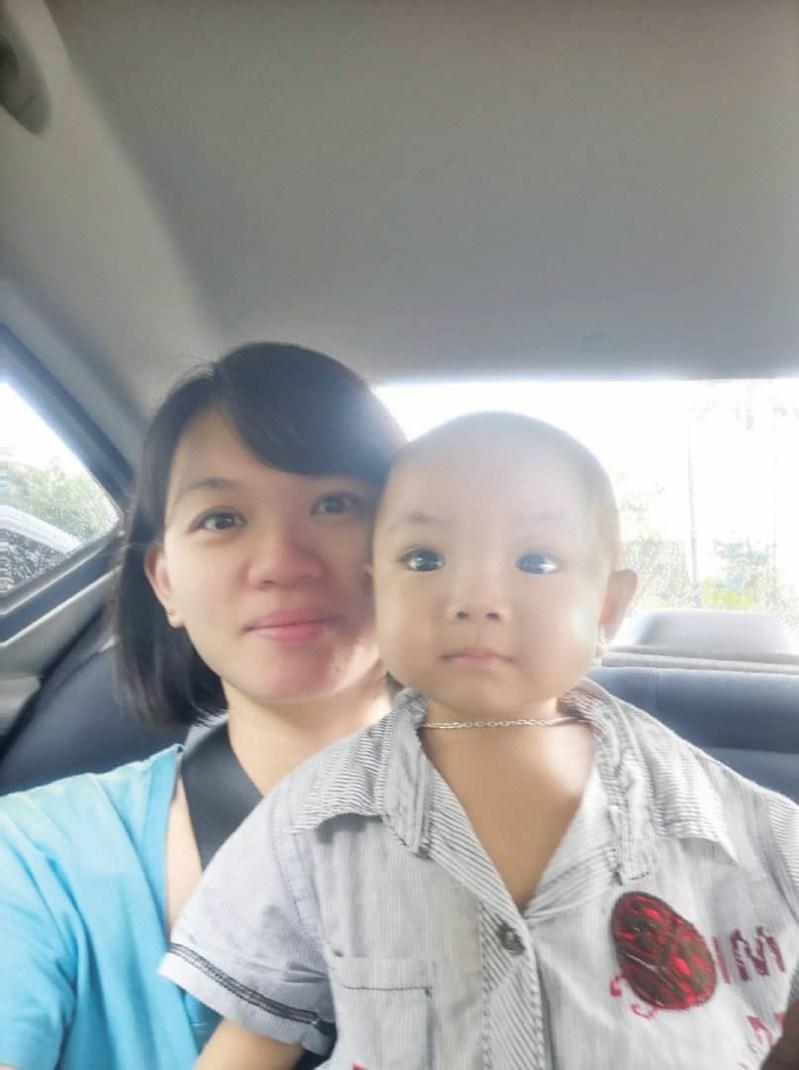 FENIX bersama ibunya, Siew Ting.