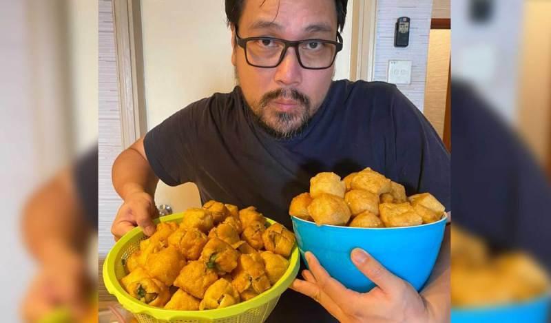 ZED Zaidi berniaga makanan Tauhu Begedil Begedul. FOTO Ihsan Zed Zaidi