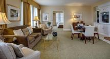 Hampton Suites Birmingham Downtown Tutwiler Hotel Room
