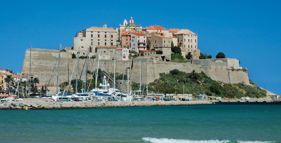 Calvi Corse  cte ouest  vacances  voyages avec Hotelplan