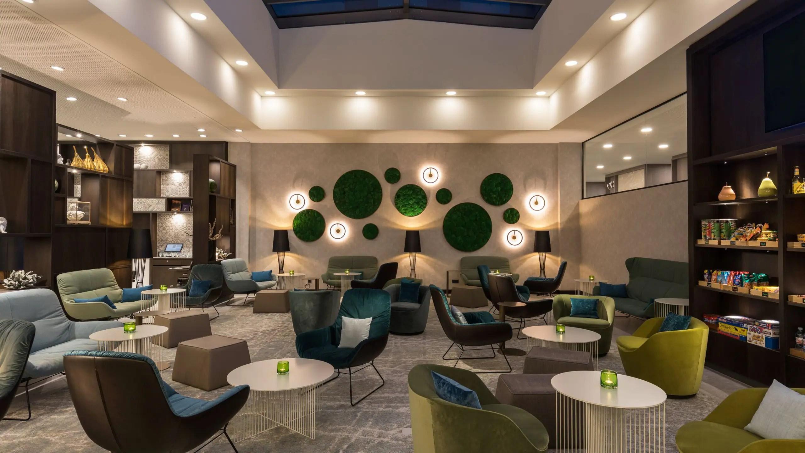 Modern Airport Hotel In Frankfurt Near Frankfurt Airport