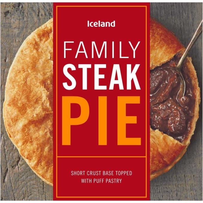 Iceland Family Steak Pie 700g | Pies & Puddings | Iceland
