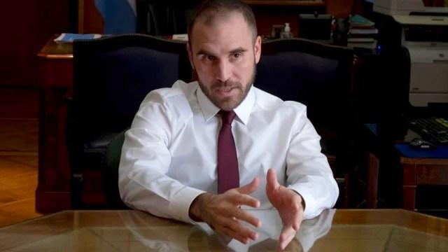 El ministro Guzmán, criticado por Melconián.