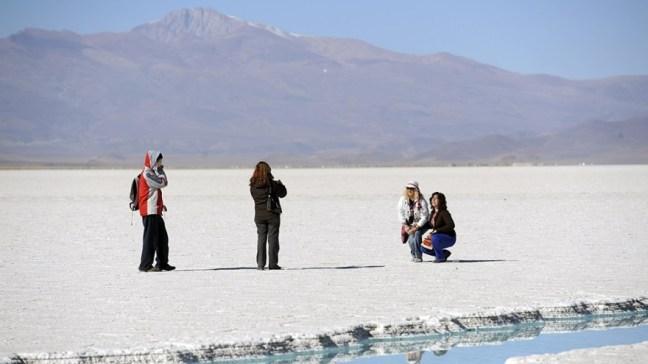 El programa incluye alojamiento, agencias de viajes, transporte, excursiones, alquiler de autos, entre otros servicios turísticos.