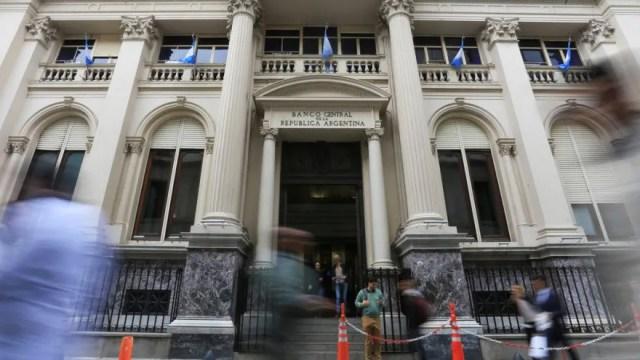 Al contrario de lo que plantea el Gobierno, los analistas ven perspectivas de deterioro para las reservas del Banco Central