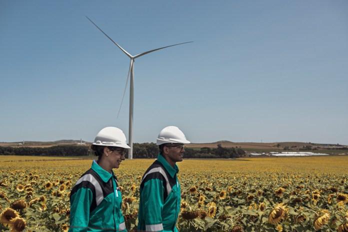 Los parques eólicos de alta potencia de YPF Luz constituyen uno de los mayores avances de las energías renovables en la Argentina.